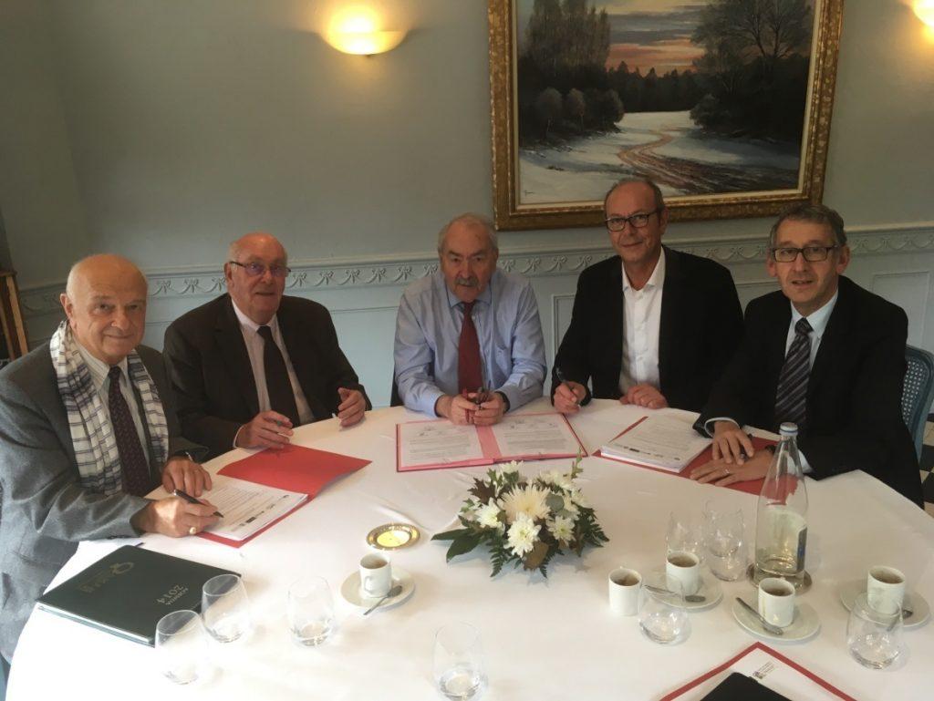Jean-Claude WEISS, Président du CdG76, entouré (de gauche à droite) de Claude HALBECQ (CdG50), Jean-Pierre SALLES (CdG61), Hubert PICARD (CdG14) et Pascal LEHONGRE (CdG27).